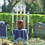 Schmuckurne Urnenbeisetzung mit Kerzen